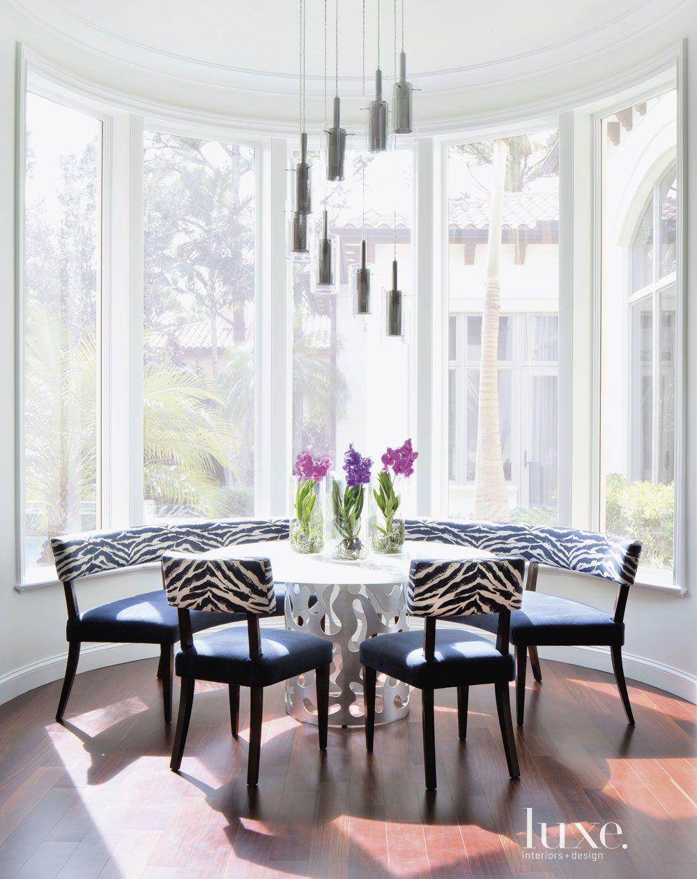Contemporary White Bay Window Breakfast Nook