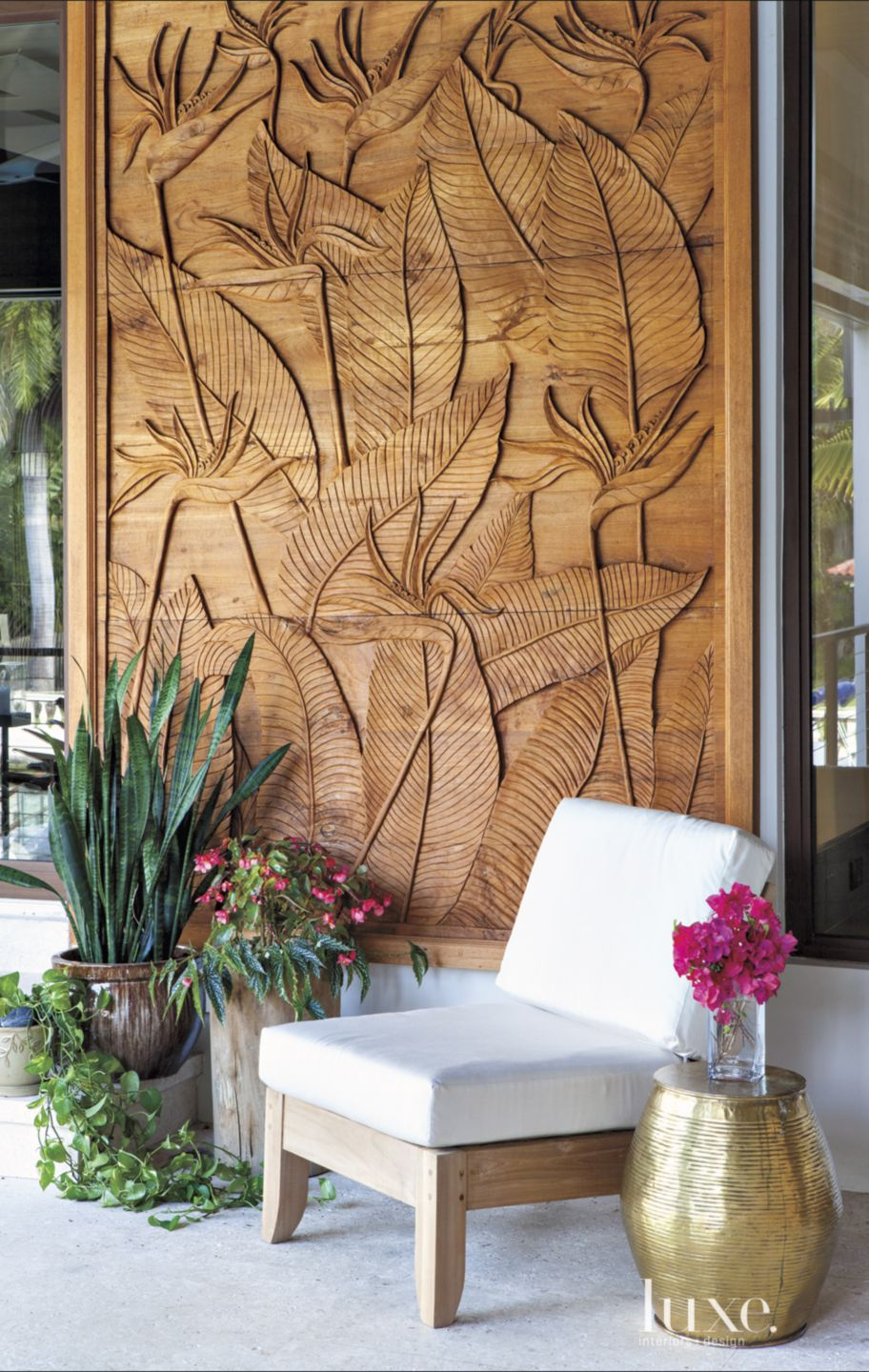 Contemporary Neutral Outdoor Seating with Carved Feature Wall