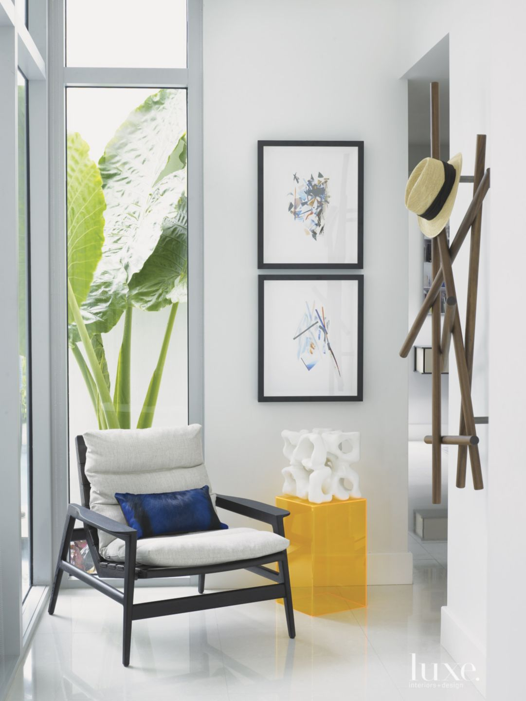 Modern White Entry Hall Vignette