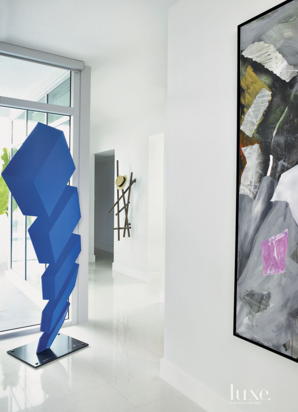 Modern White Entry Hall Sculpture