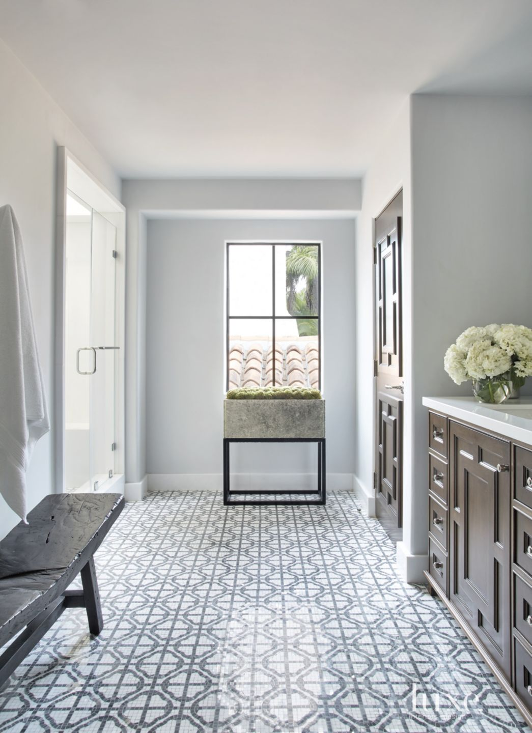 Transitional White Bathroom with Quatrefoil Mosaic Flooring