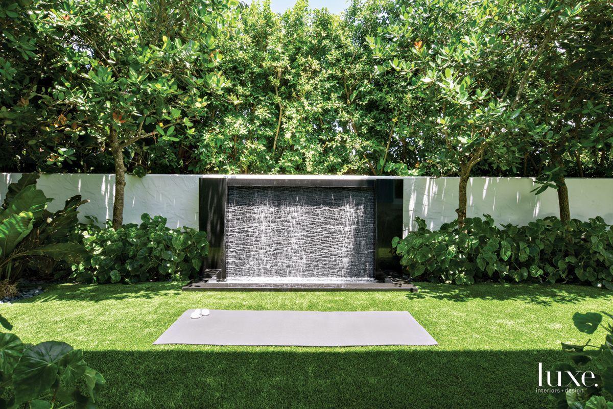 Contemporary Black Granite Backyard Water Feature