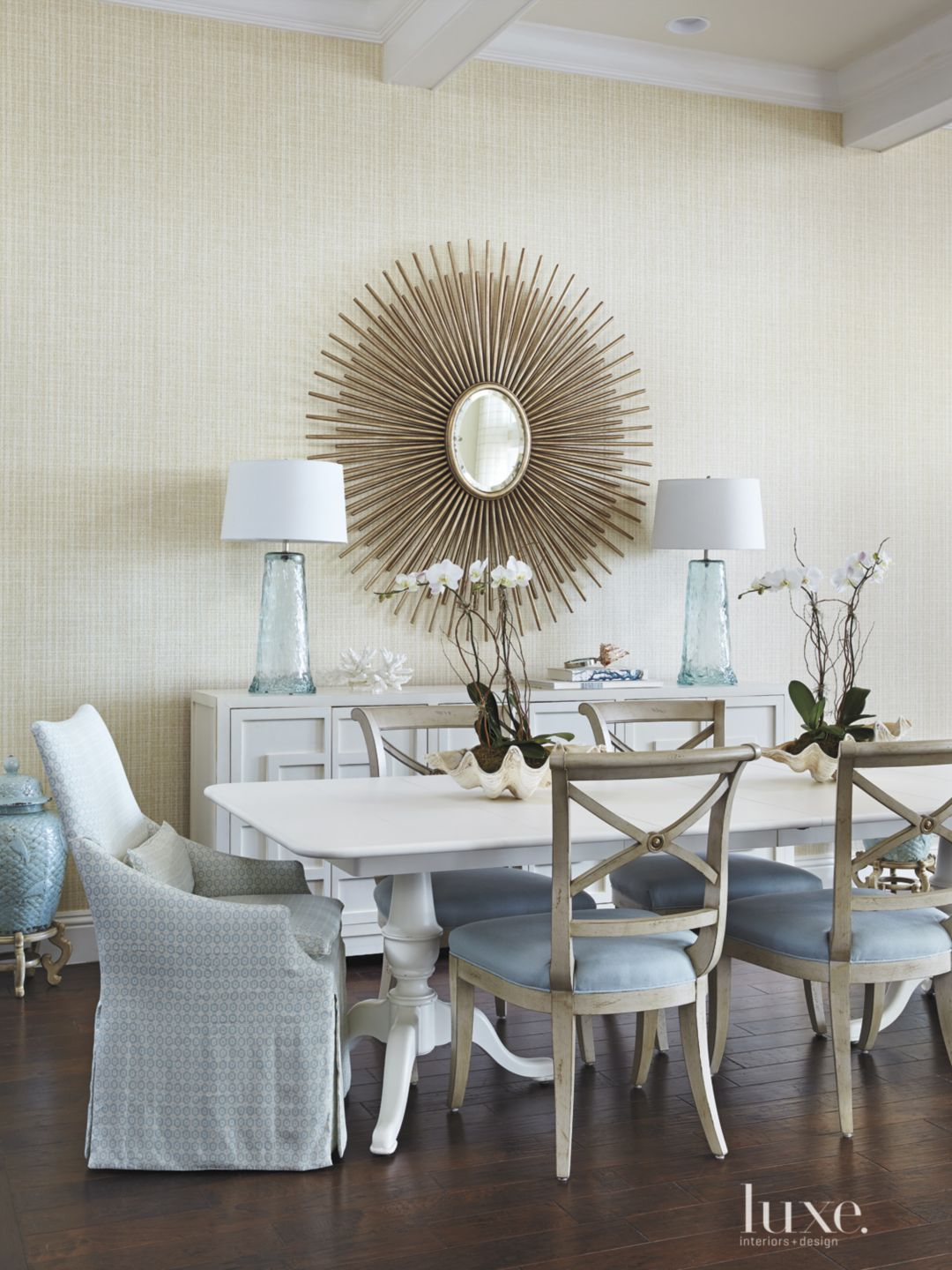 Contemporary Sea-Inspired Dining Room