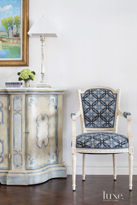 Traditional White Living Room Vignette