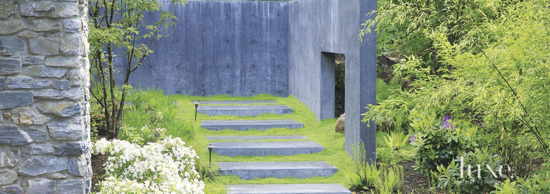 Modern Neutral Concrete Courtyard
