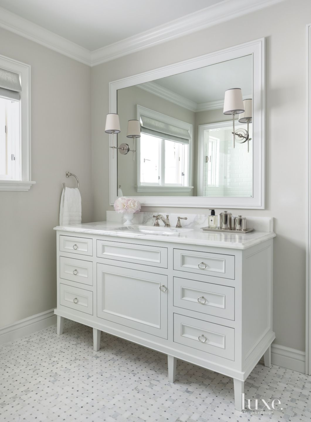 Traditional White Guest Bath Vanity