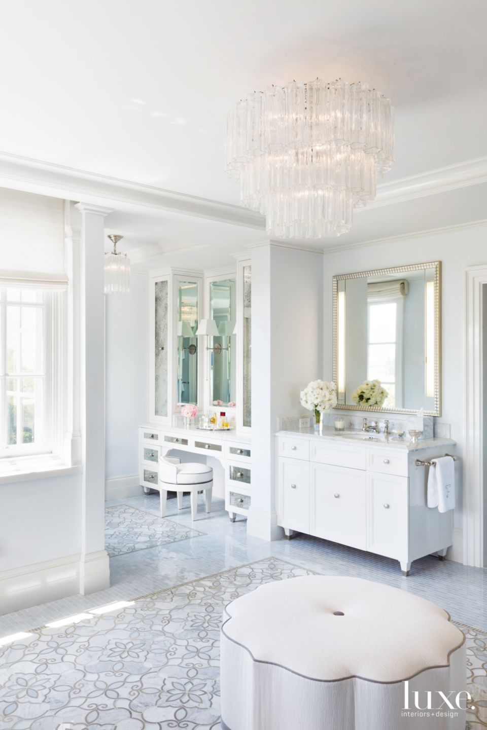 Traditional White Master Bathroom with Glass Pendant