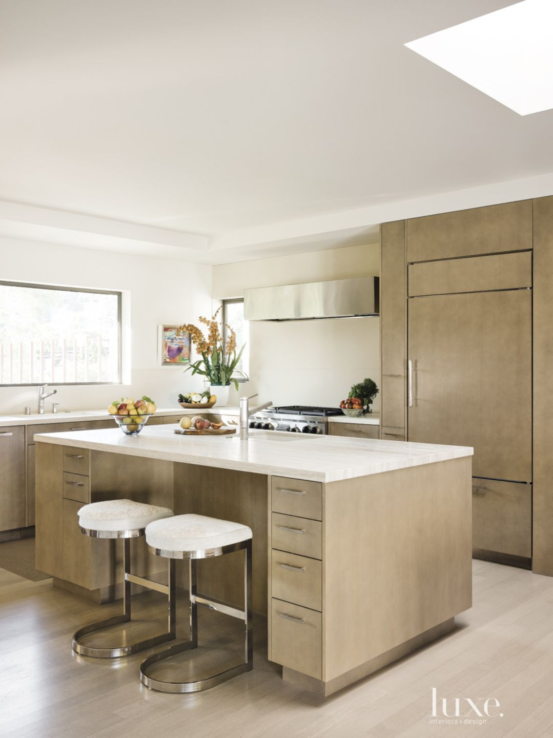 Modern Cream Kitchen with Oak Cabinetry