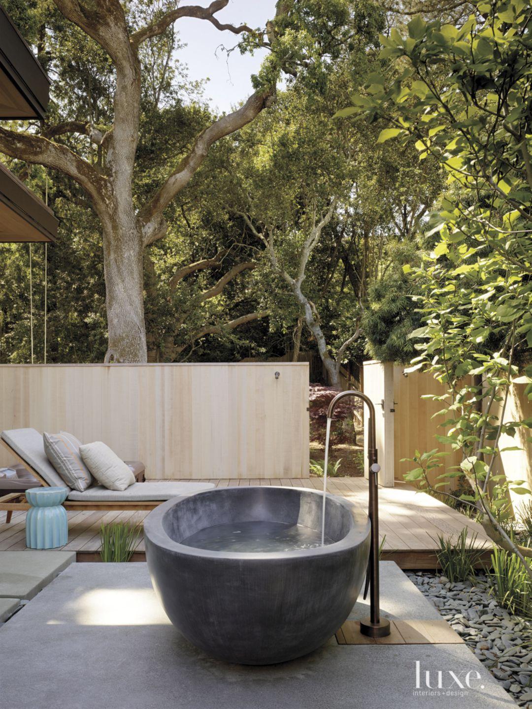 Modern Outdoor Bathing Area