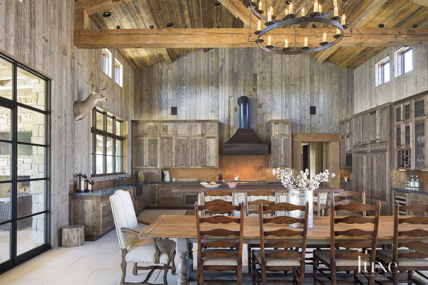 Country Neutral Dining Area
