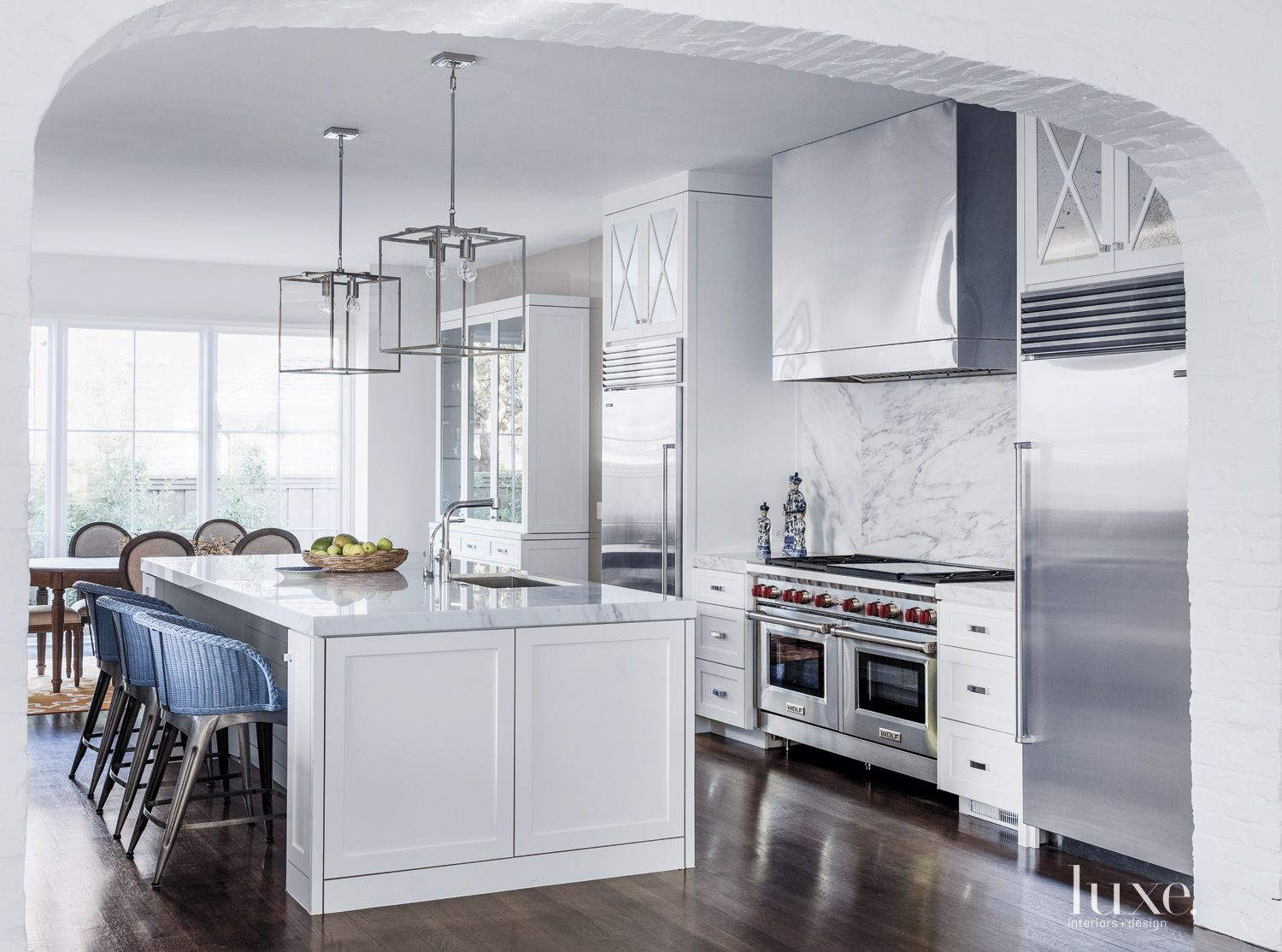 Transitional White Kitchen with Shaker-Style Cabinetry