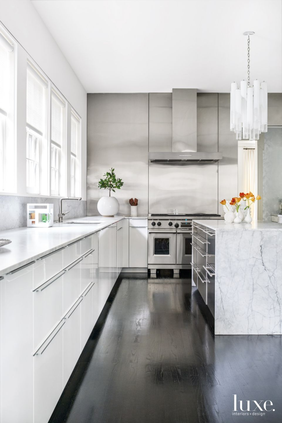 Modern White Kitchen with Black Lacquered Oak Floors