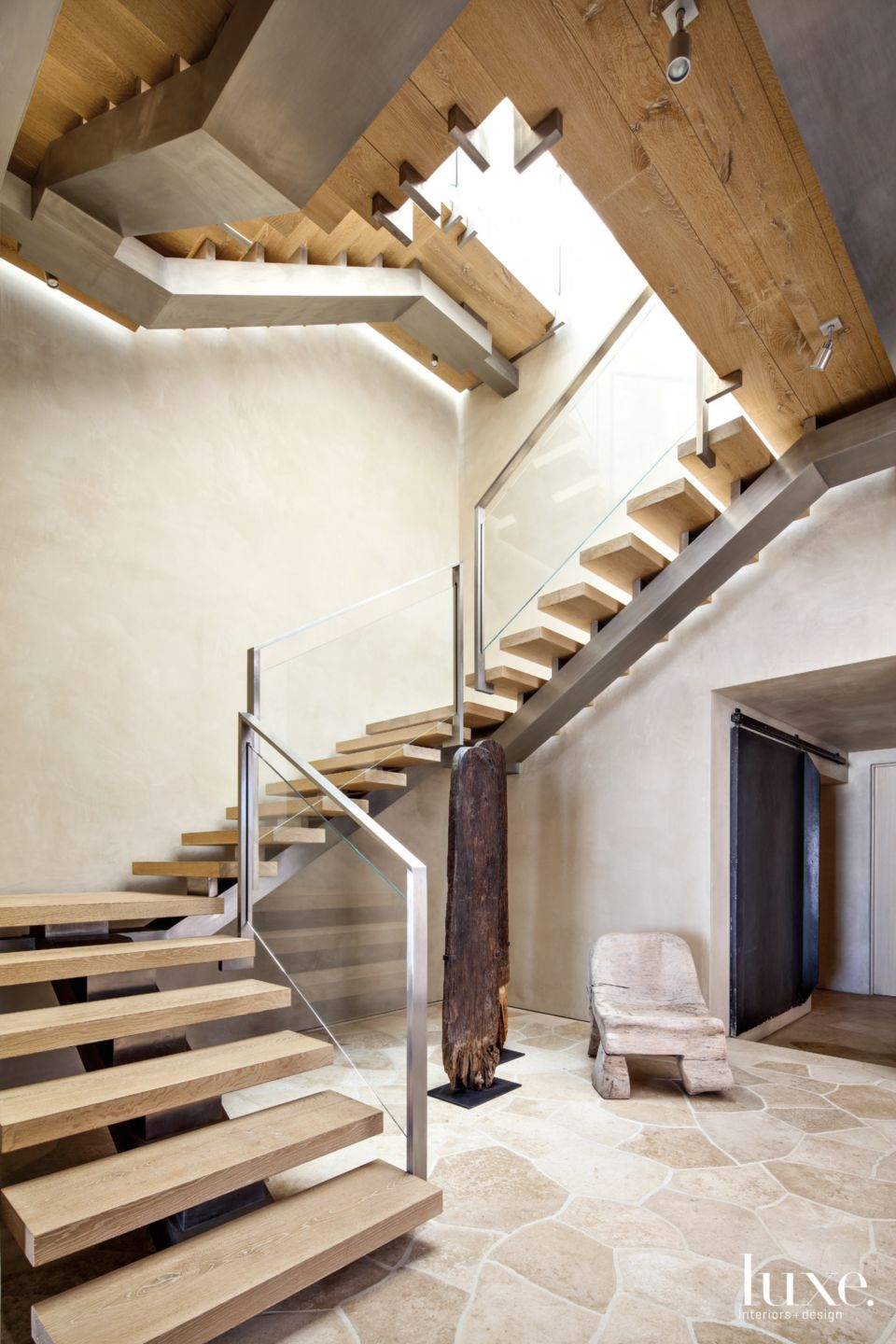 Contemporary Neutral Staircase with