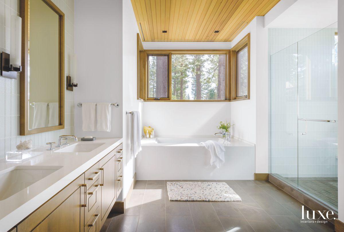 Reclaimed Oak Floor Trend in Bathroom