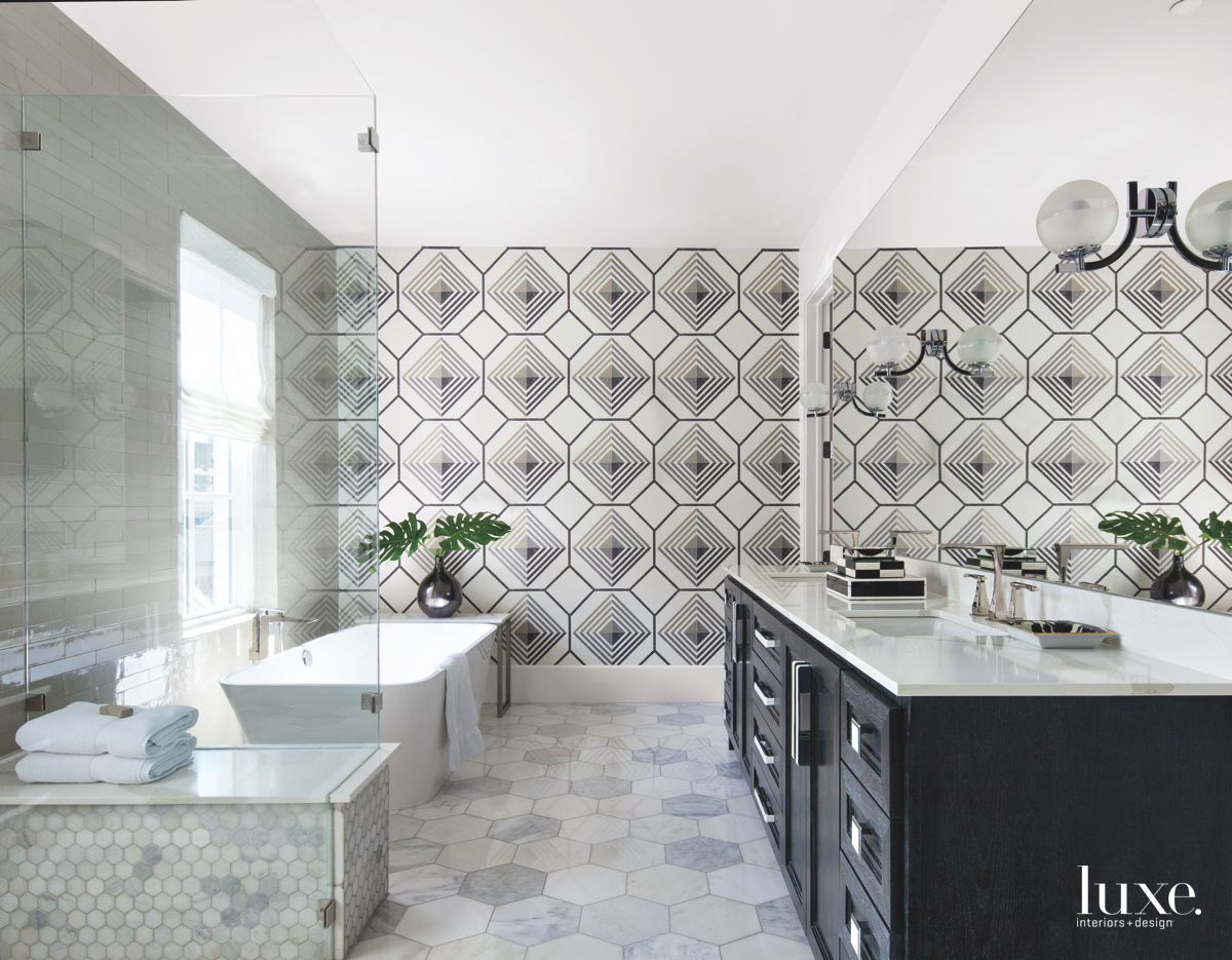 Black and White Diamond-Patterned Master Bathroom