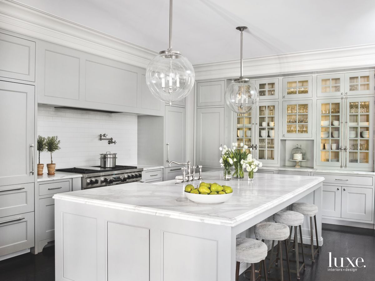 Kitchen that Blends Chic Vintage and the 21st Century