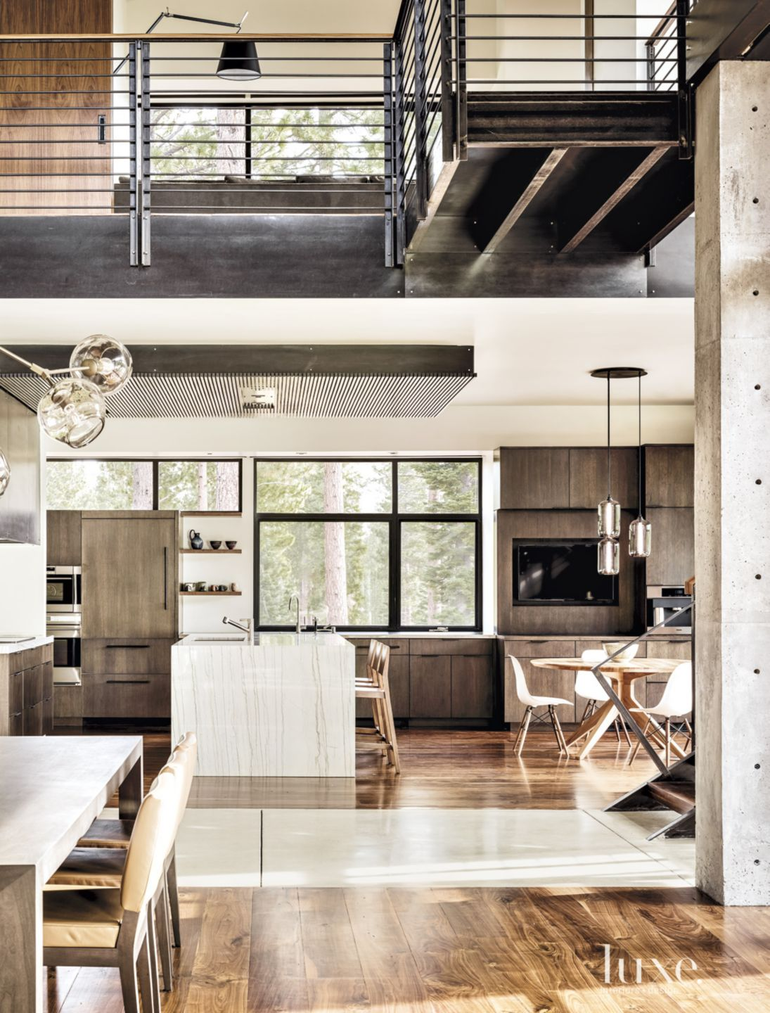 Contemporary Neutral Kitchen with Breakfast Area
