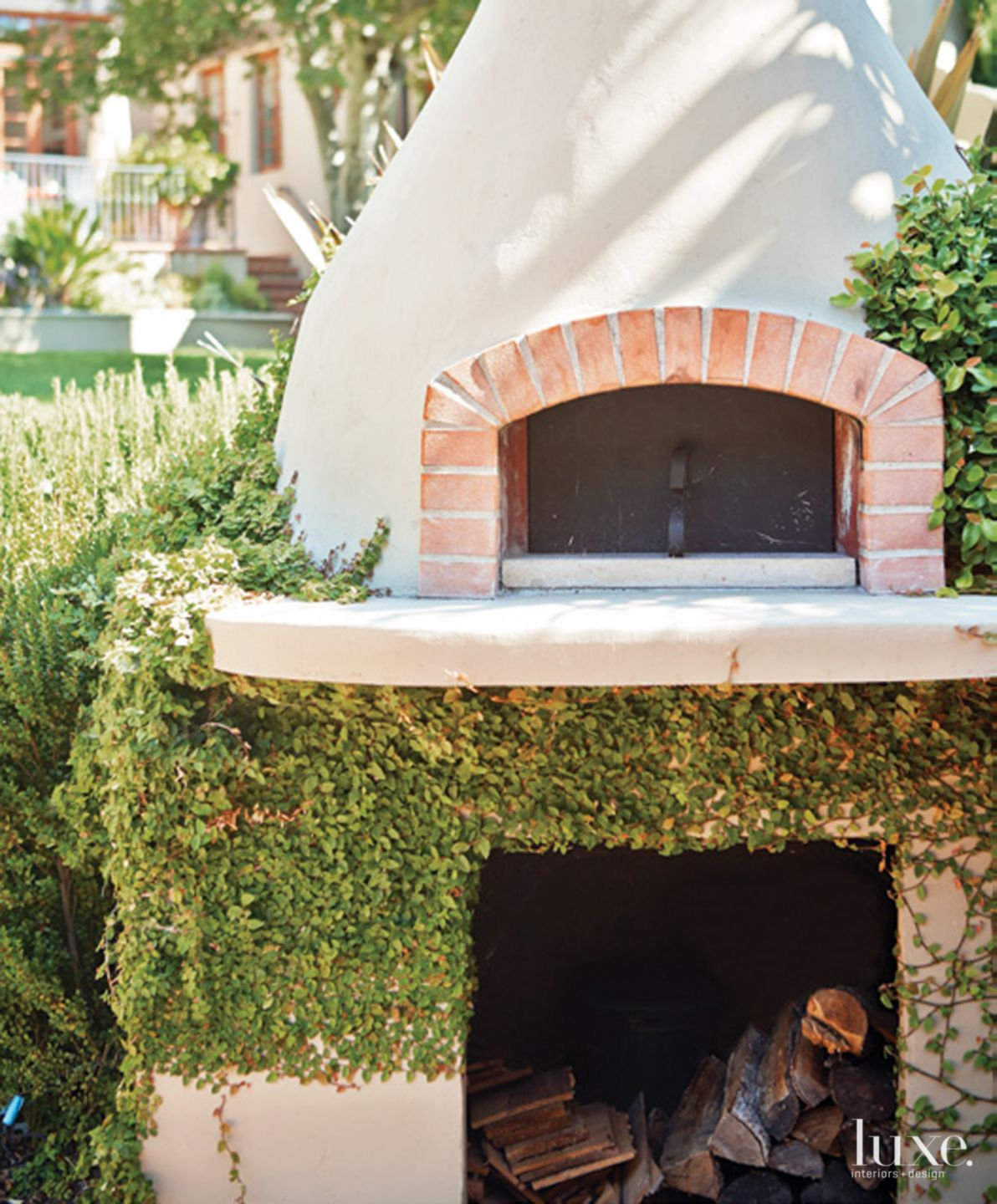 Neutral Brick Pizza Oven