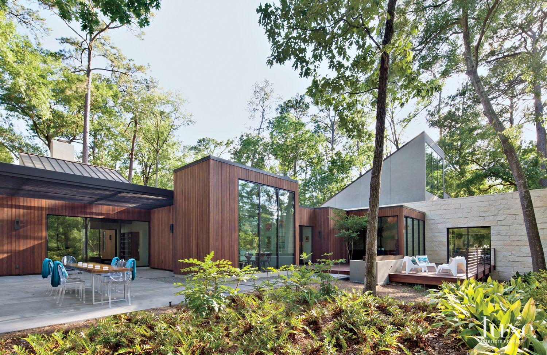 Modern Backyard Landscape with Cypress Table