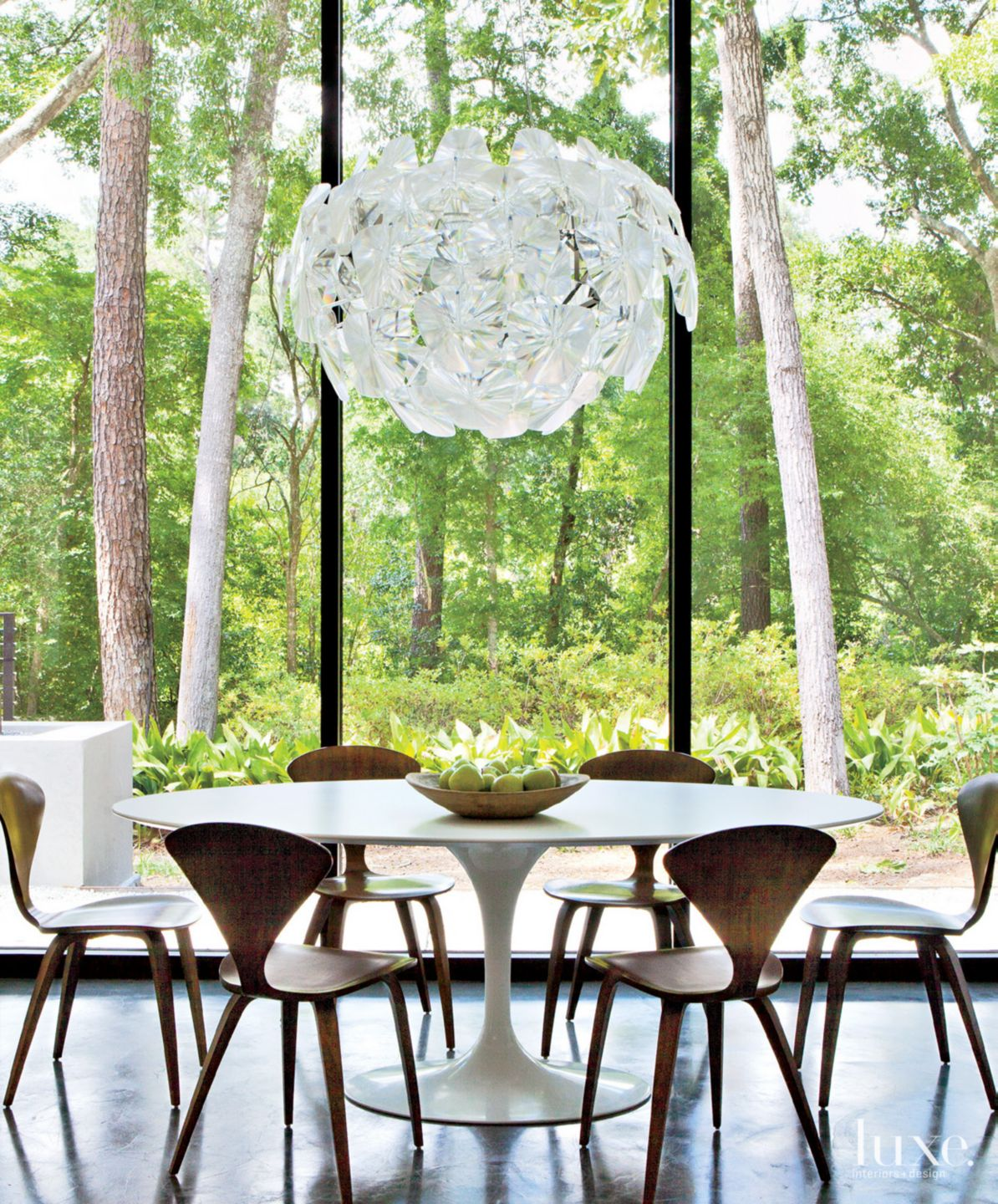 Modern White Breakfast Area