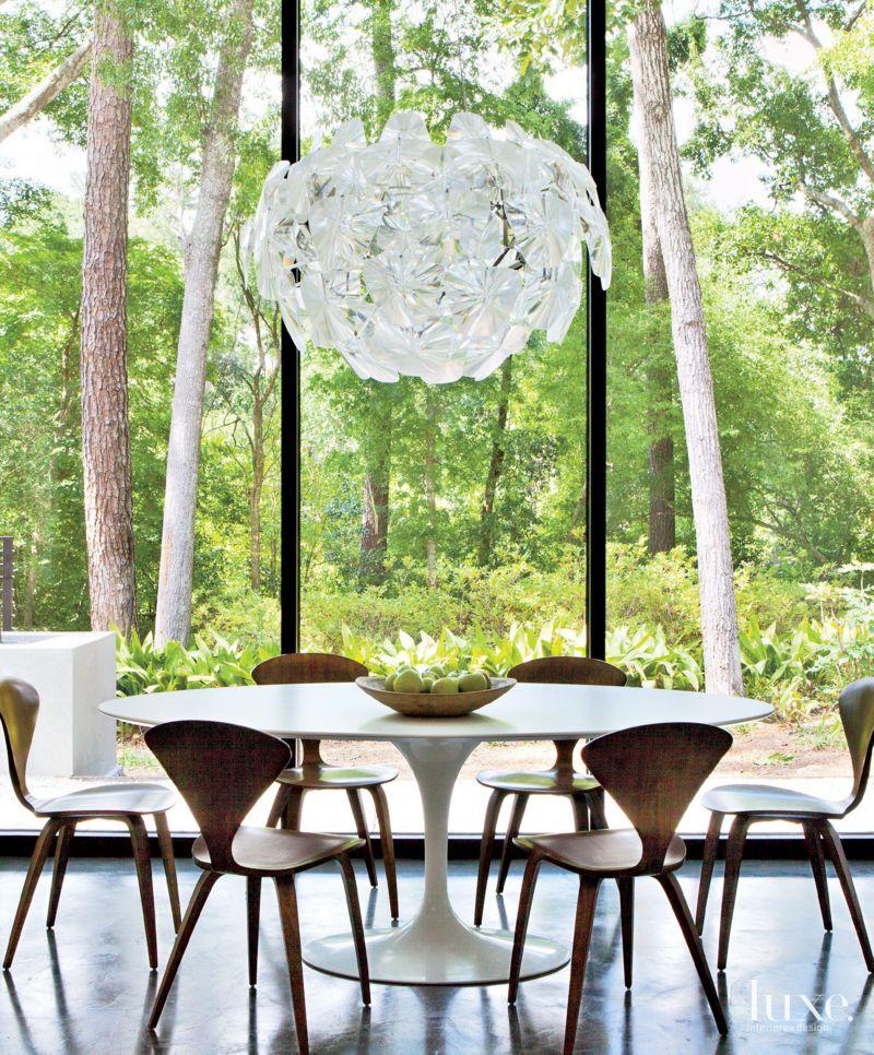 Modern White Breakfast Area